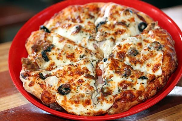pizza-port-pizza-carlsbad-ca-pizza-roma-610x407